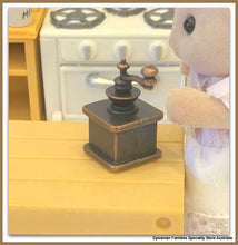 Sylvanian FAmilies rabbit coffee grinder