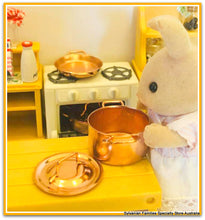 Sylvanian Families rabbit cooking casserole