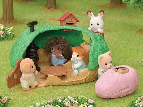 Sylvanian FAmilies Baby Hedgehog hideout adventure play fun
