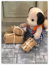 Sylvanian Families beagle dog postman with parcels wrapped envelopes