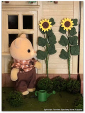 Dollshouse  miniature Sunflowers Sylvanian Families petite bear