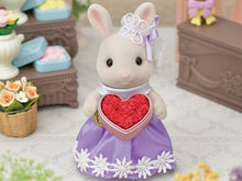 Sylvanian Families Rose petals flower heart box