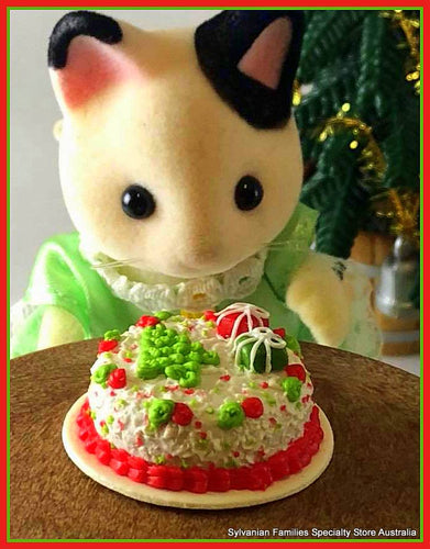 Sylvanian Families Christmas time cake and miniatures