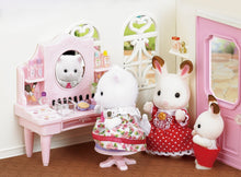 Sylvanian Families  Cosmetic Counter with Nora Teak