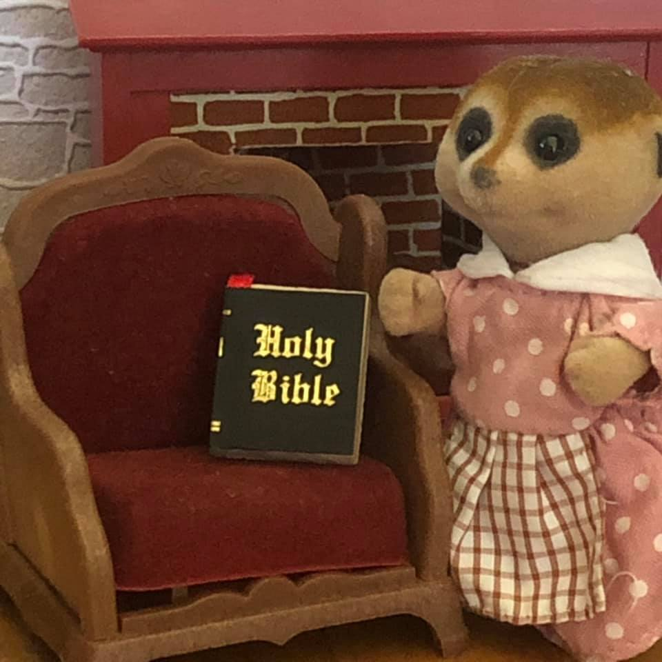 Sylvanian Families perfect size Bible miniature