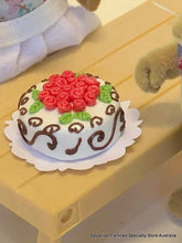 Cake Miniature - Roses and Scrolls