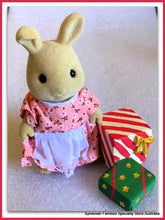 Miniature gifts for Sylvanian Families Butterglove rabbit Christmas presents