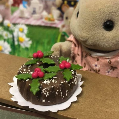 Sylvanian Families christmas cake holly