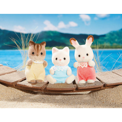 sylvanian families trio of friends calico critters