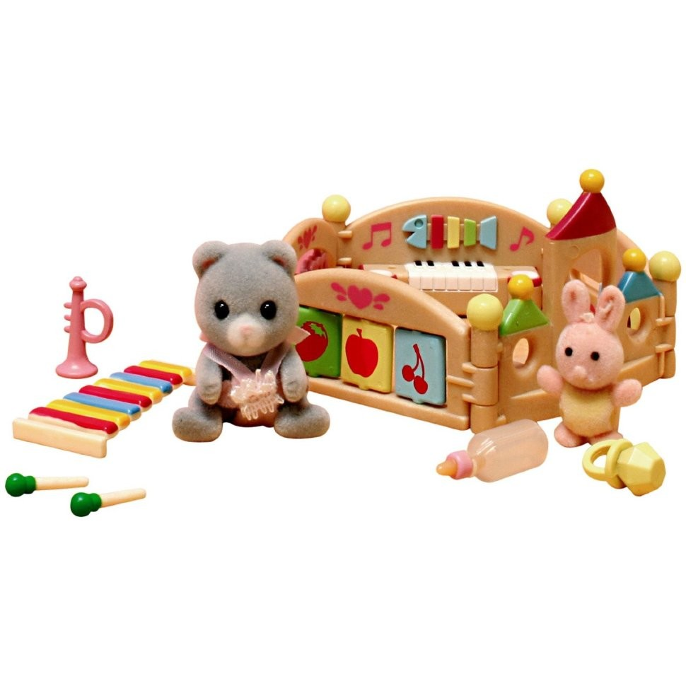 Sylvanian Families baby Carole and playpen European 2105