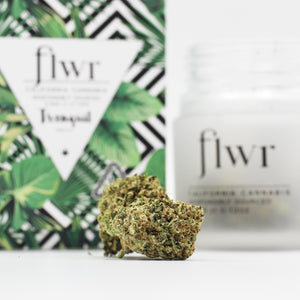 FLWR (i) - Tranquil - (Wedding Cake)