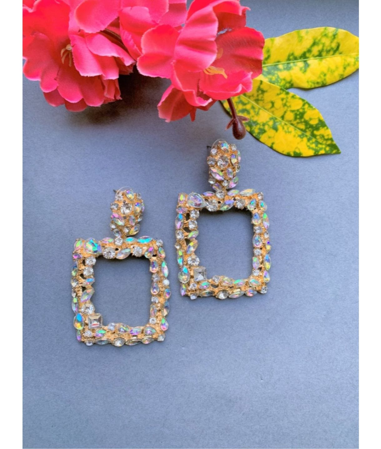 SQUARE SPARKLY EARRINGS