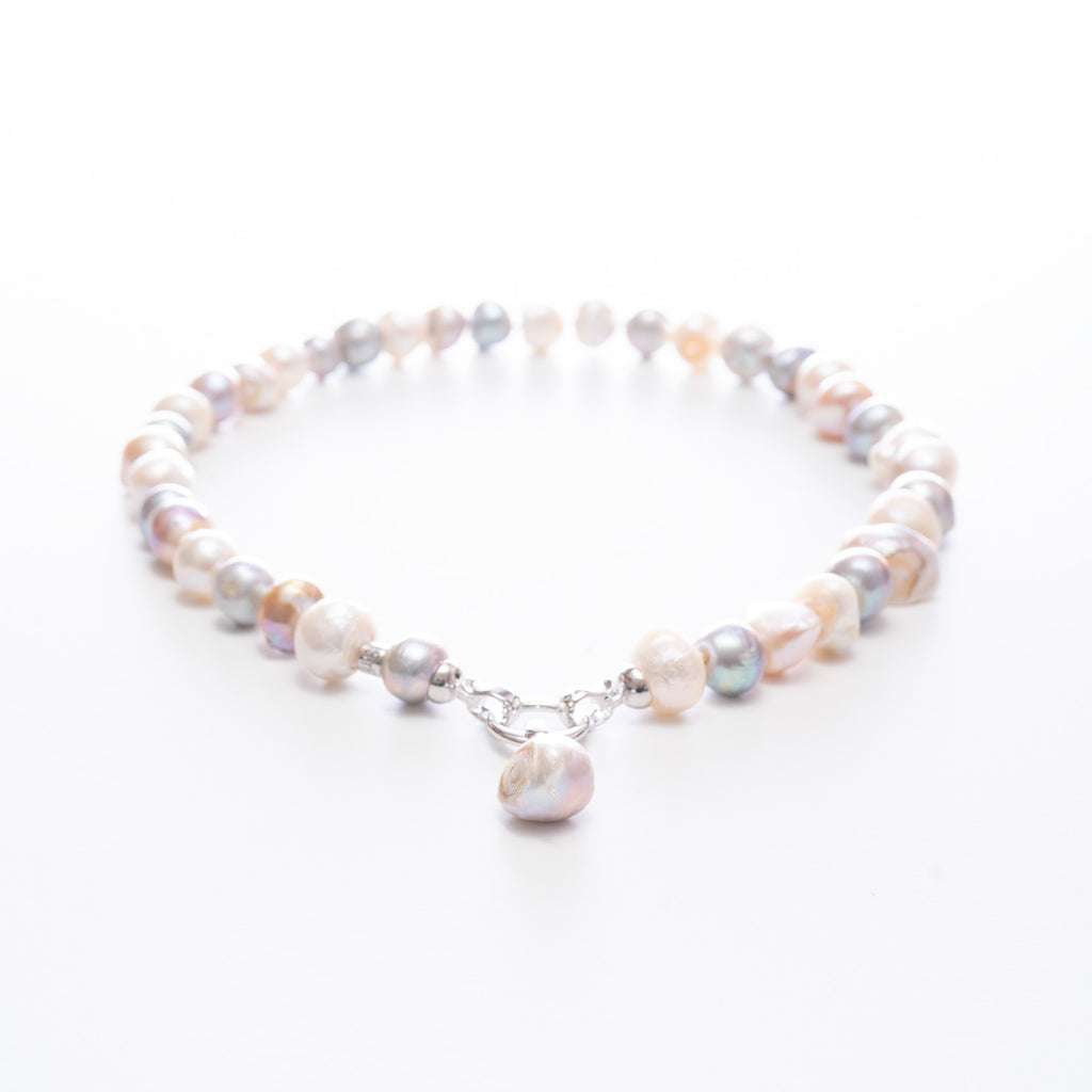 Ava Short Pearl Necklace | Stones that Rock
