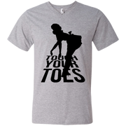 Touch Your Toes Vintage Girl Men's V-Neck T-Shirt