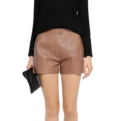 CONCEALED BUTTON WOMEN LEATHER SHORTS