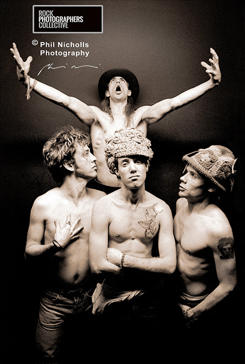 INSIDE INFO: 009: Our photographers give you the inside information behind the shoot. RED HOT CHILI PEPPERS, BY PHIL NICHOLLS.
