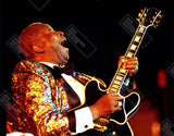 BB King live with black Gibson guitar Women's T-Shirt