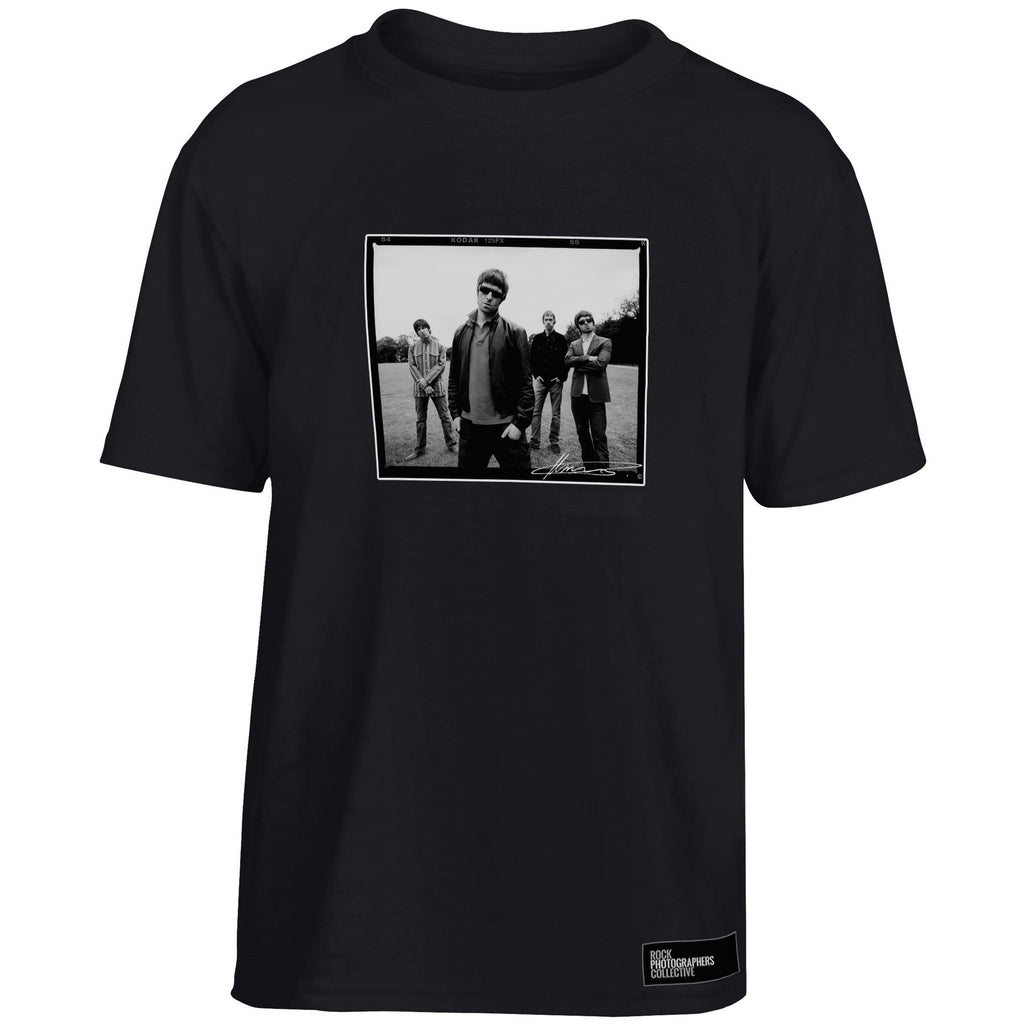 Oasis, location shoot, London, 2005, MRW Kids' T-Shirt