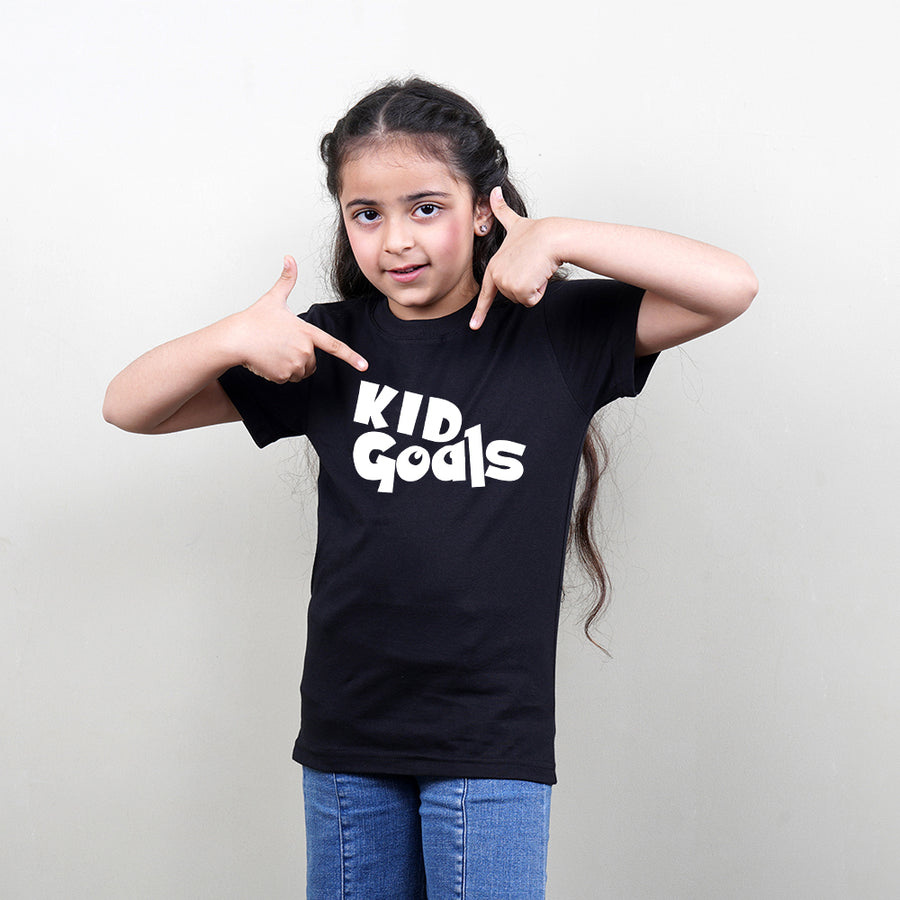 Kids T-Shirt in Black Color (Kid Goals) Stubborne