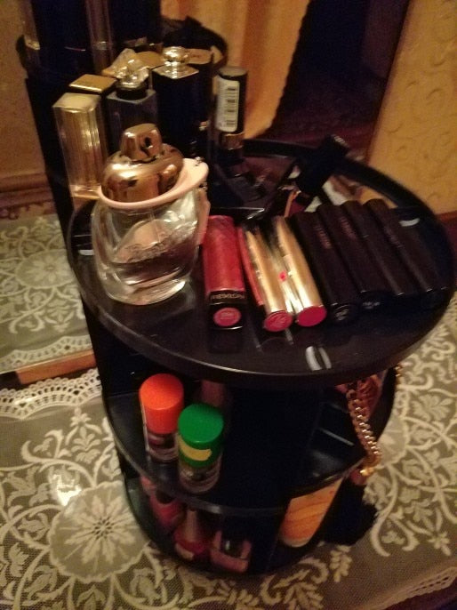 Make up container