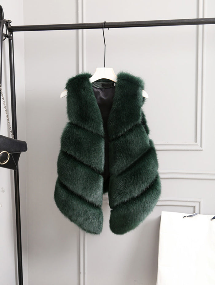 Winter Starter faux fur sleeveless
