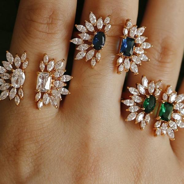 Two halves flower ring