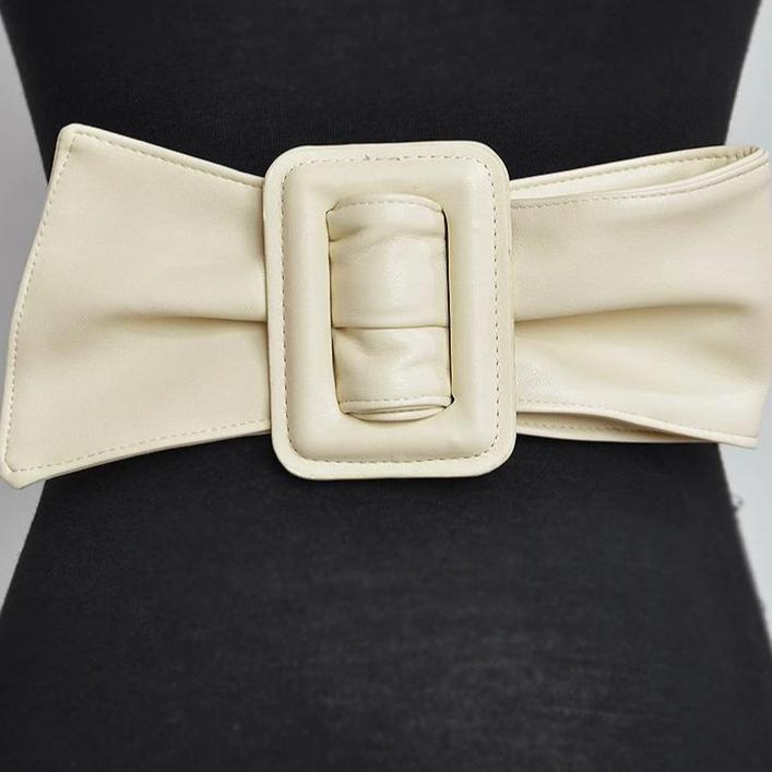 Lady belt in faux leather