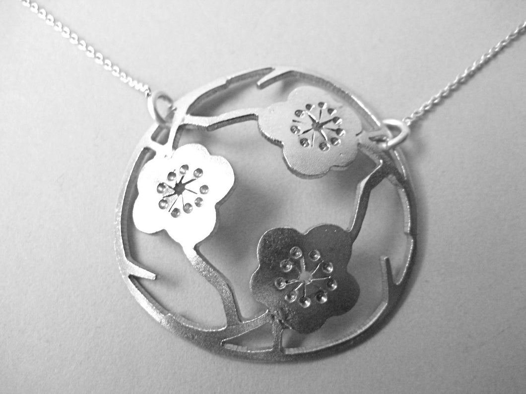 The Three Sakura's Pendant (small)