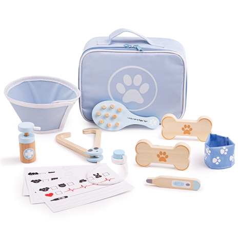 Children's Veterinary Wooden Play Set by Bigjigs