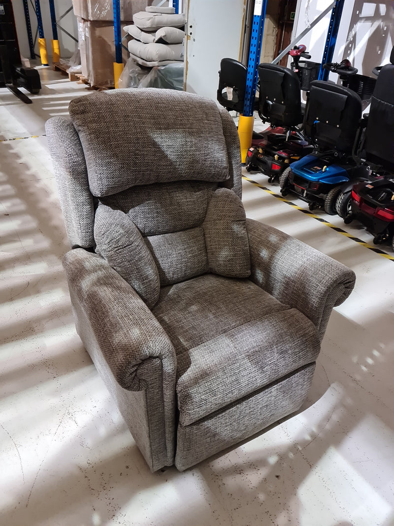 Oxford Riser Recliner 4 motor chair - used good condition - 000183