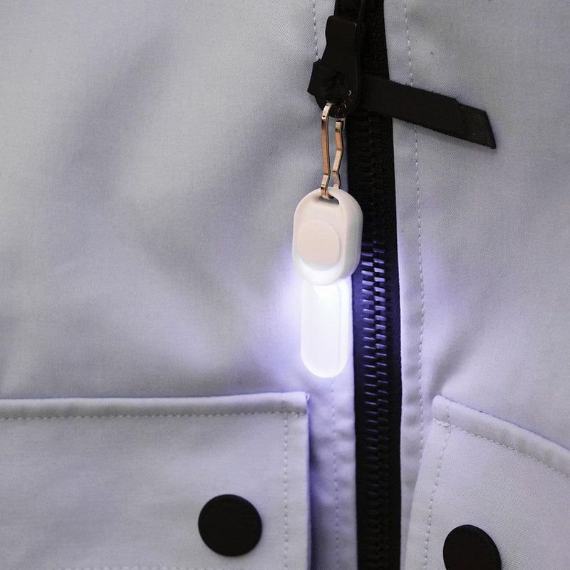 Zip-Pull Light