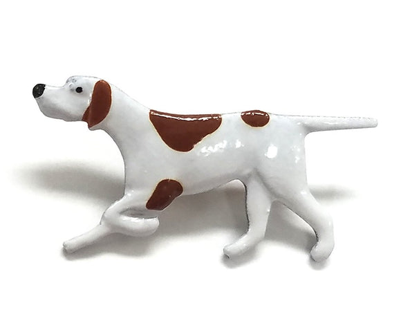 Susan Clarke Small Pointer Dog 13/16 inch Metal Button White Color