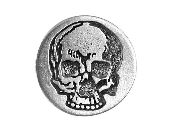 TreasureCast Yorick's Skull 3/4 inch Pewter Button Antique Silver Color