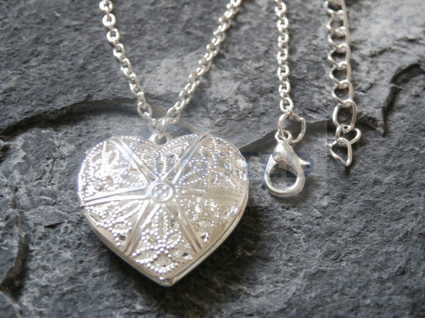 Silver Necklace with Heart Locket Pendant WN032 Jinsted