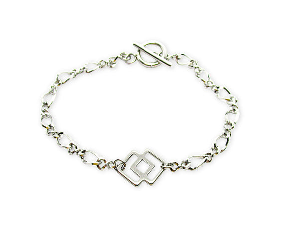 Double Rhombus Charm Figaro Chain Toggle Bracelet