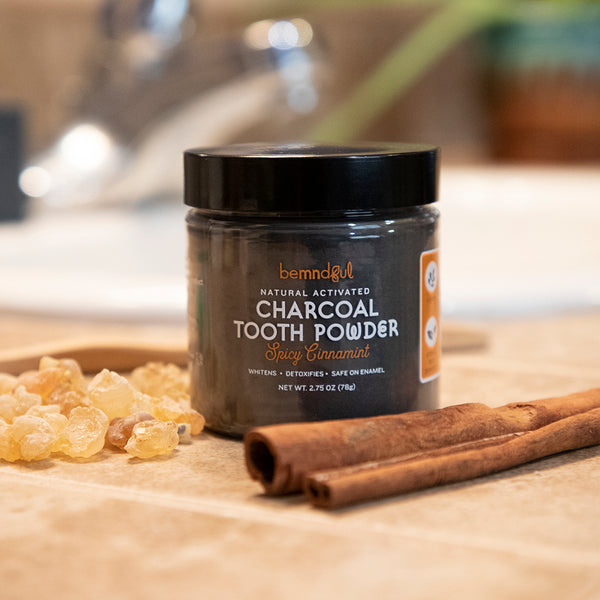 Whitening Tooth Powder with Activated Charcoal (Cinnamint)