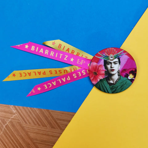 Badge 45mm Frida Plumes
