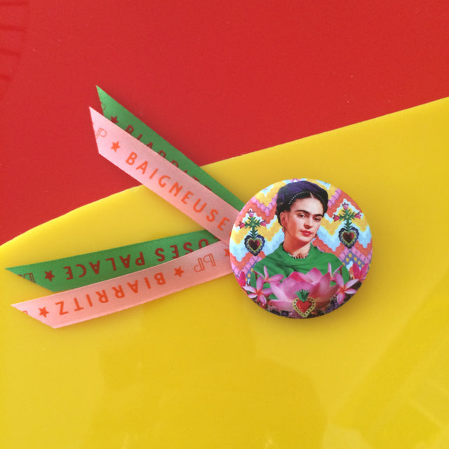 Badge 45mm Frida coeur