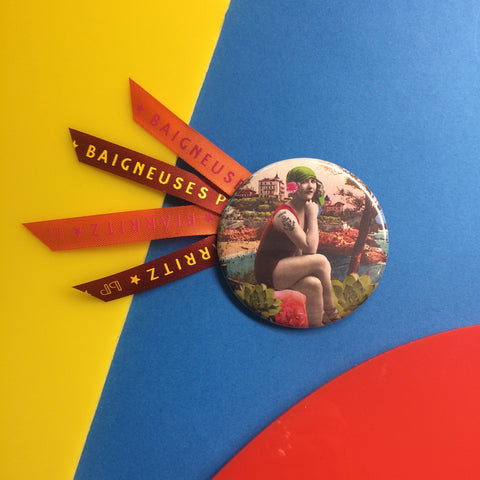 Badge 56mm Baigneuse Athaye