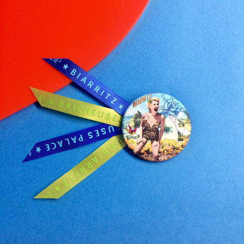 Badge 45mm Pin-up Virgin rock
