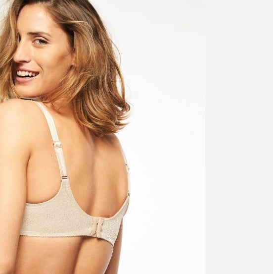 C MAGNIFIQUE SEAMLESS UNLINED MINIMIZER BRA IN NUDE