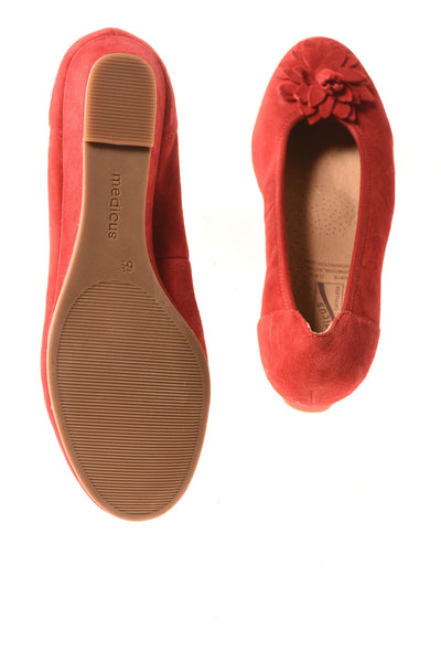 NEW Medicus Women's Shoes 6.5 Red