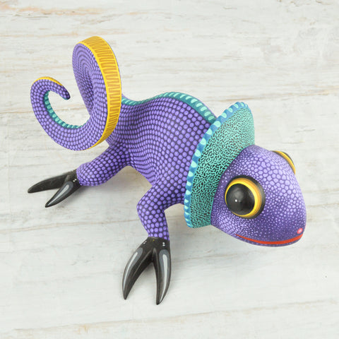 Image of Chameleon Alebrije Oaxacan Wood Carving - Magia Mexica