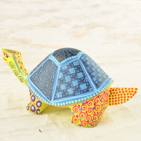 Alebrije Oaxacan Wood Carving Turtle - Magia Mexica