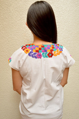 Image of Embroidered Mexican Blouse | White - Alebrije Huichol Mexican Folk art magiamexica.com