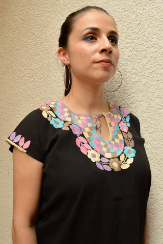 Image of Embroidered Mexican Blouse | Black - Alebrije Huichol Mexican Folk art magiamexica.com