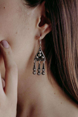 Image of Earrings Triangle - Alebrije Huichol Mexican Folk art magiamexica.com