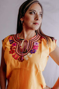 Embroidered Mexican Blouse | Flowers - Alebrije Huichol Mexican Folk art magiamexica.com