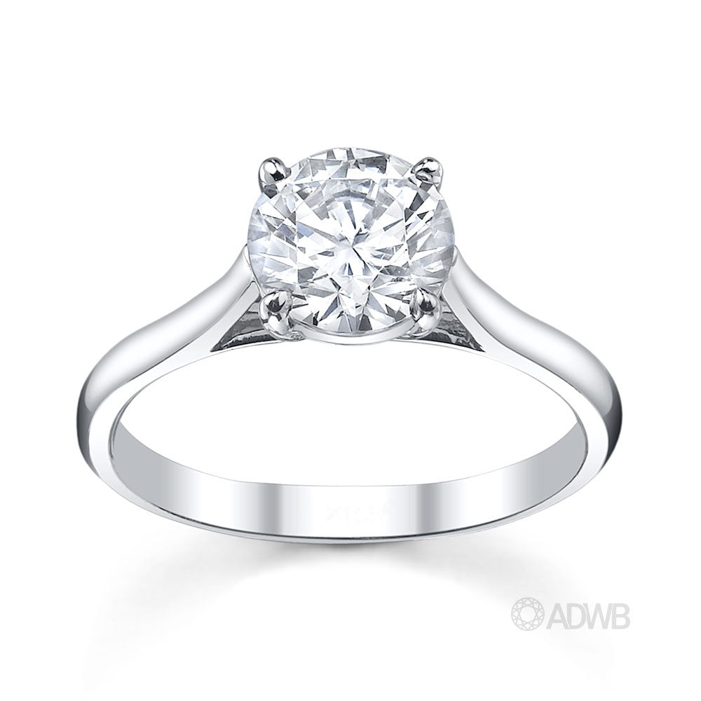 Classic 4 claw round brilliant cut diamond ring