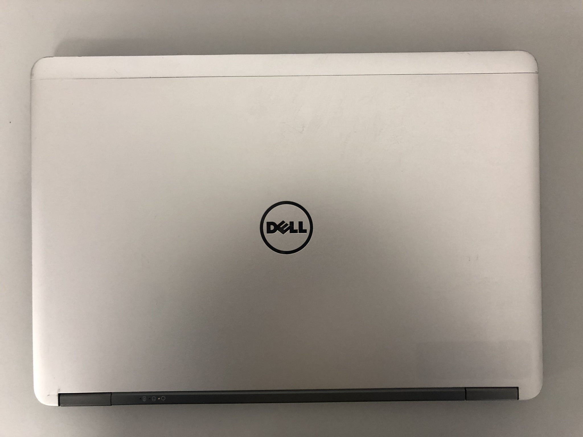 "B GRADE - Dell Latitude E7440 Ex Lease Laptop i5-4300M 1.90GHz 4GB RAM 500GB HDD 14"" WebCam Windows 10 Pro(blemish on Screen)"
